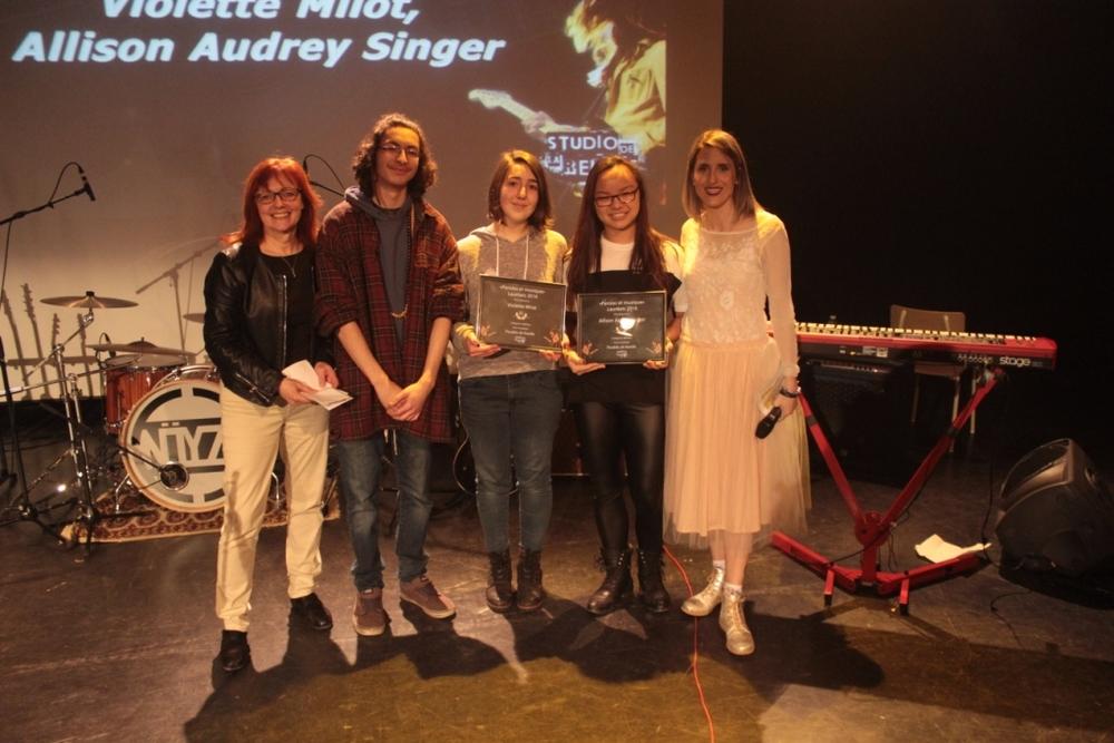 Catégorie Mérite:Violette Milot, Allison Audrey Singer pour le texte Troubles de famille