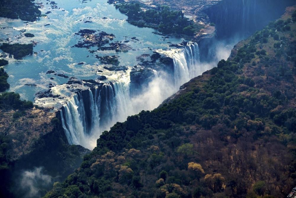 Mosi o Tunya air 3Victoria Falls.jpg