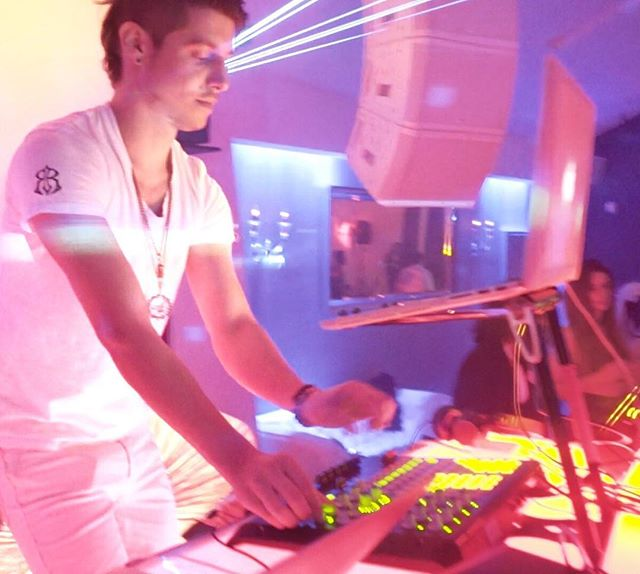 Burner-esque White Party for party people who enjoy partying at parties. #affinitygathering #jackmore #dj #djjackmore #losangeles #nightlife