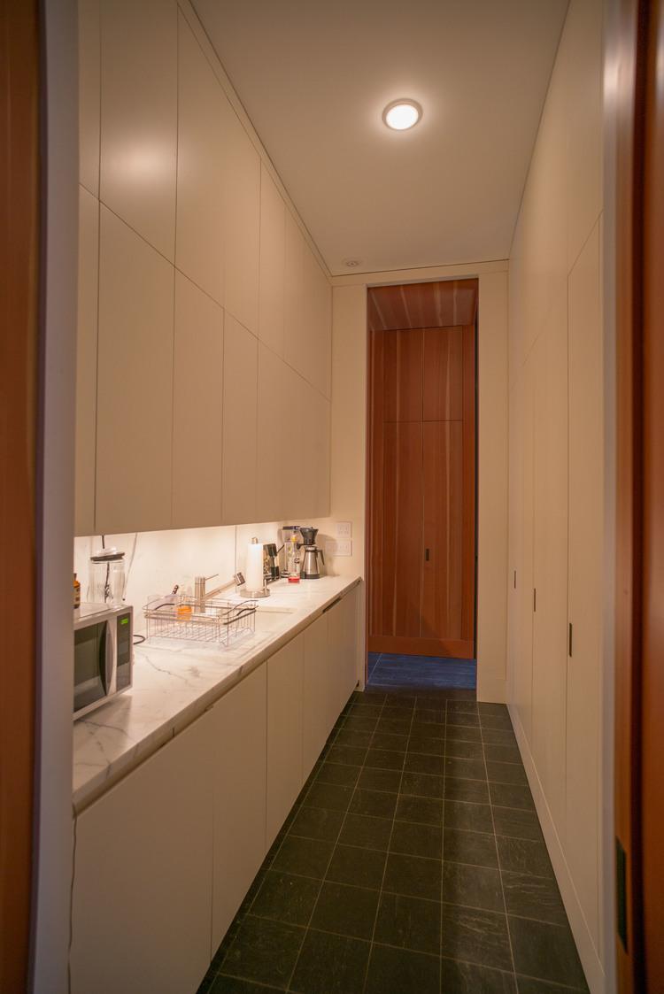 poolhouse+-+galley+kitchen.jpg