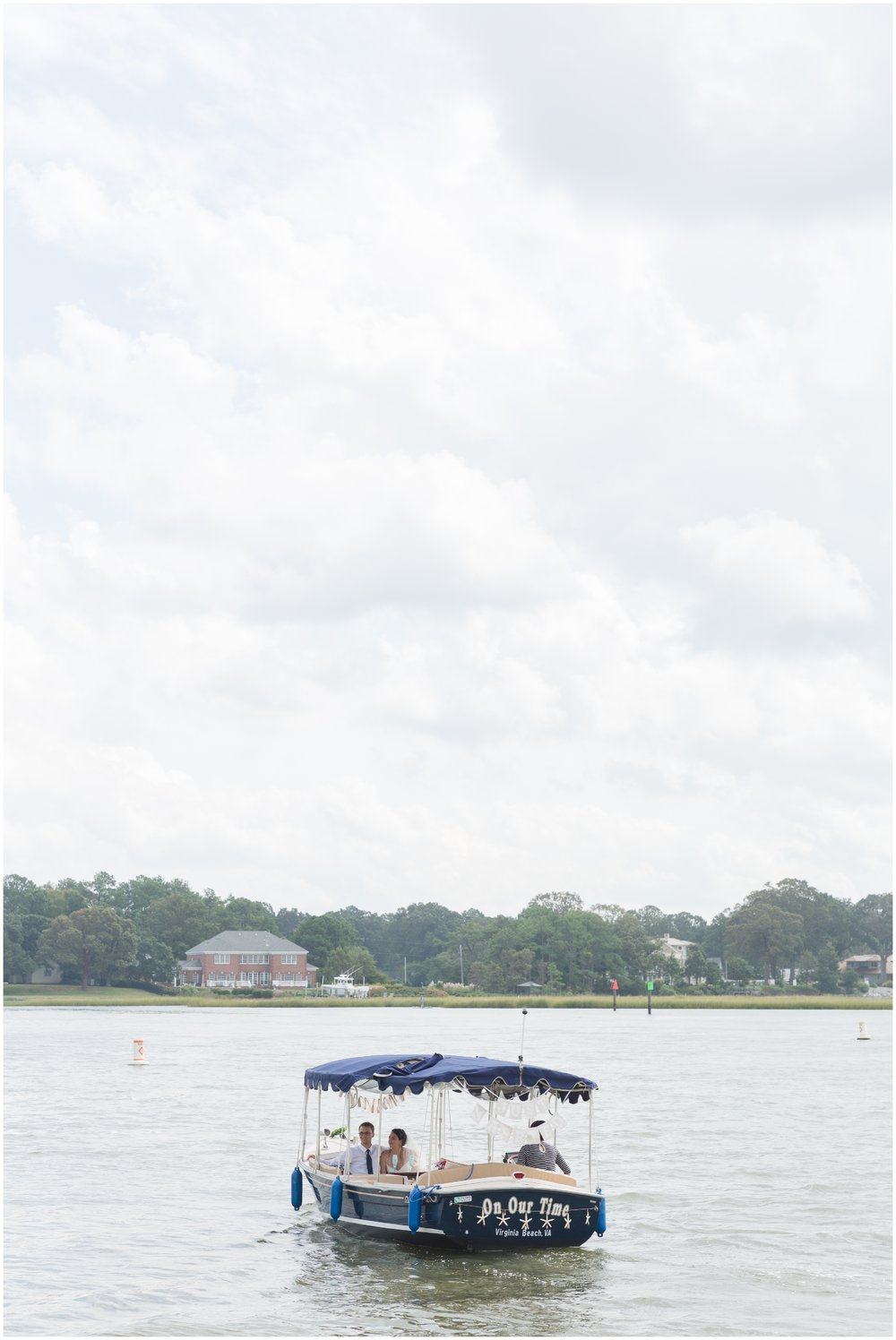 elovephotos_lesner_inn_virginia_beach_blue_violet_white_beach_wedding