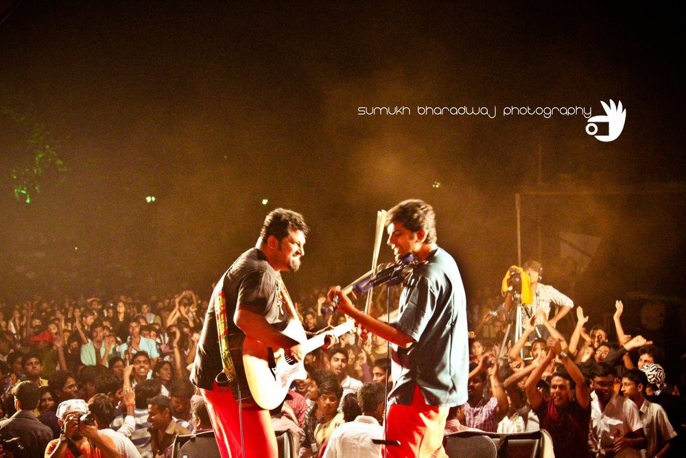 Karthick Iyer with Raghu Dixit Project