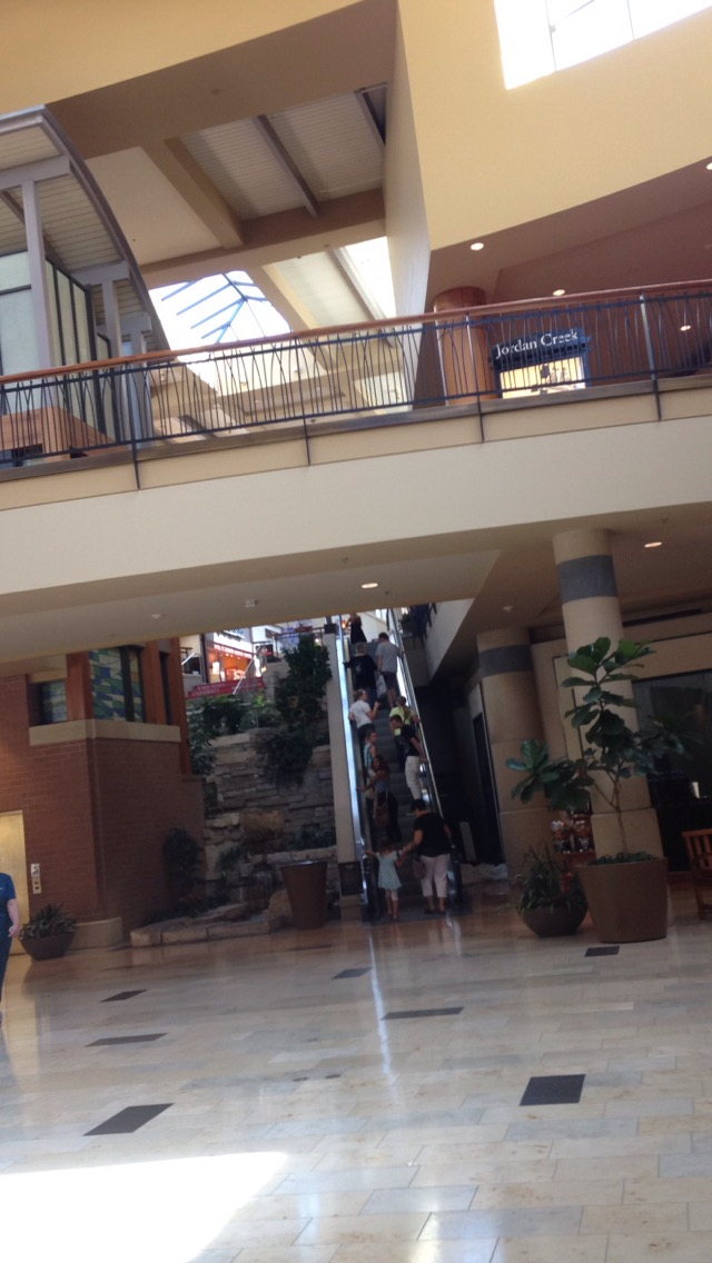 Jordan-Creek-Mall-Escalators.jpg