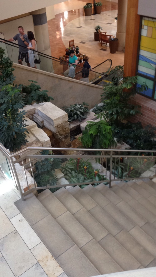 Jordan-Creek-Mall-Stairs.jpg