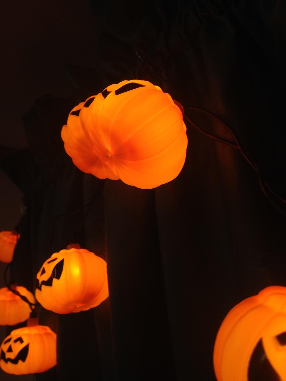 Halloween-Pumpkin-Decor.jpg