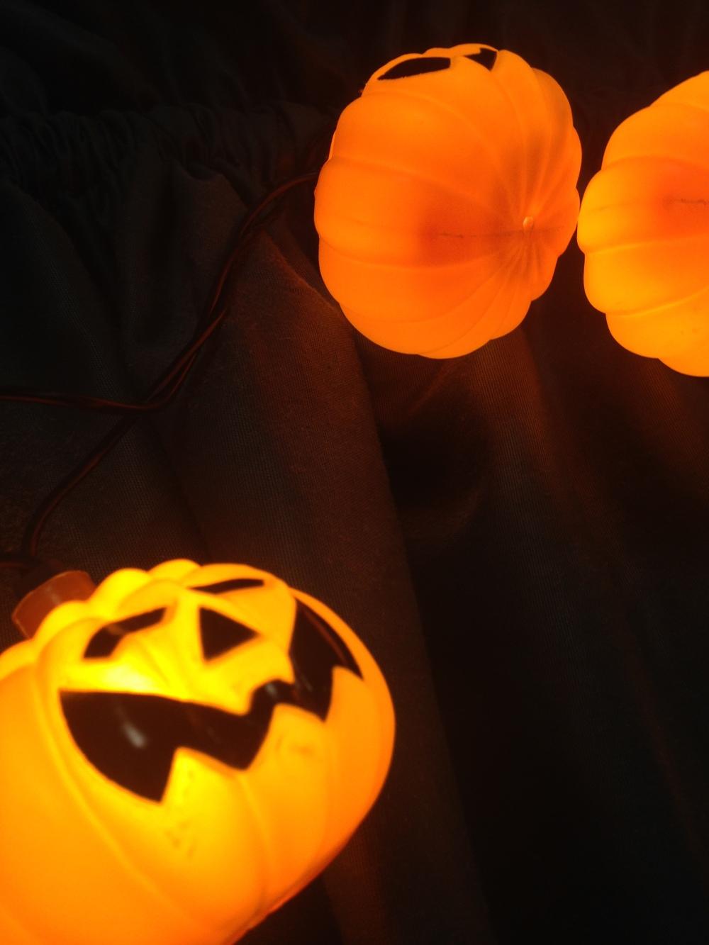 Halloween-Pumpkin-Decor2.jpg