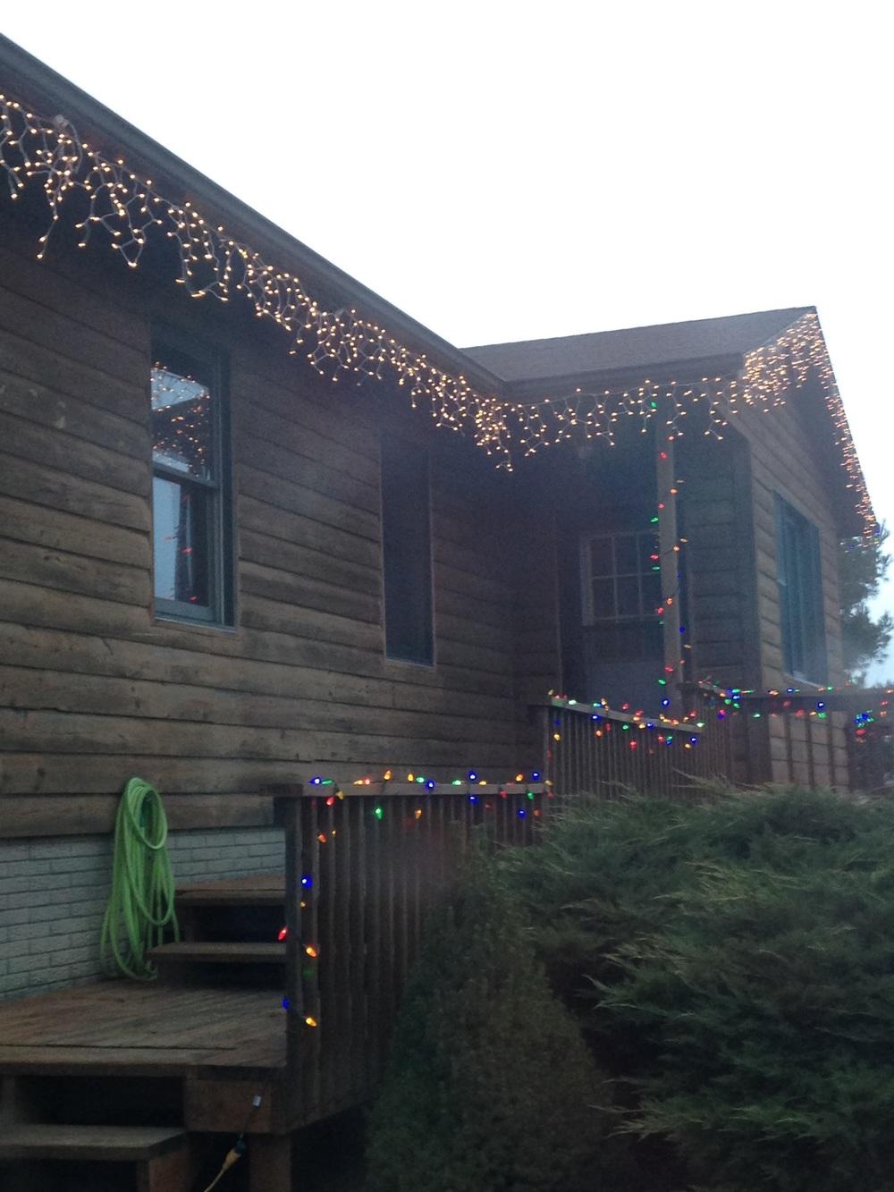 Christmas-Lights-On-House.jpg