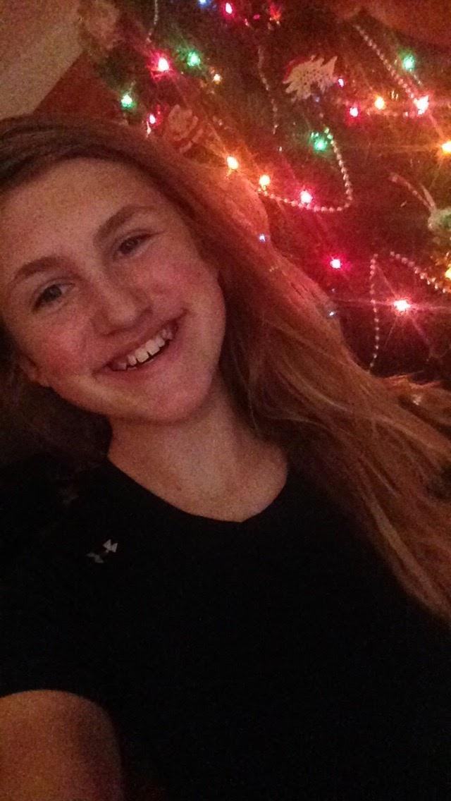 Christmas-Tree-Selfie.jpg