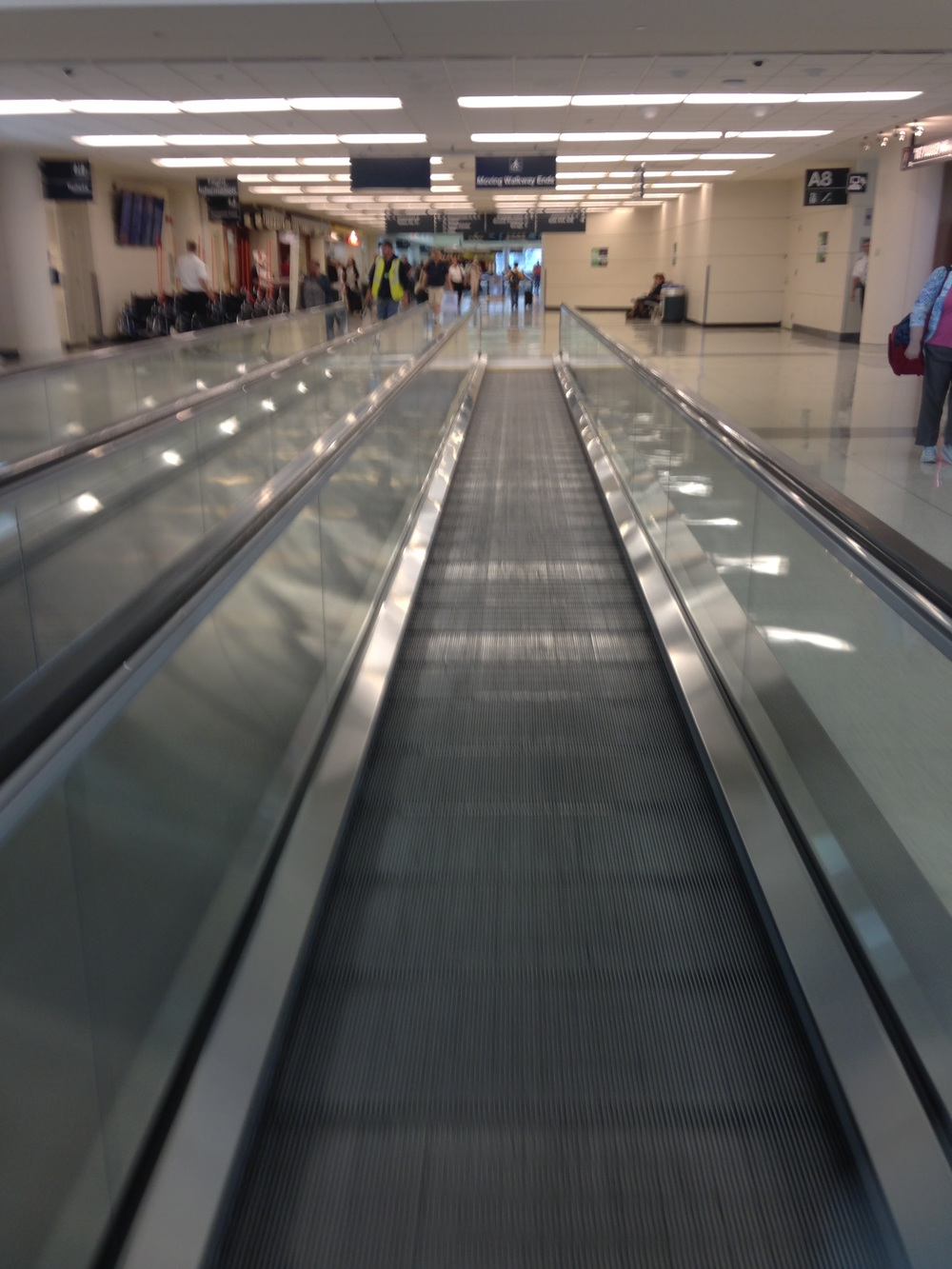 Airport-Moving-Sidewalks.jpg