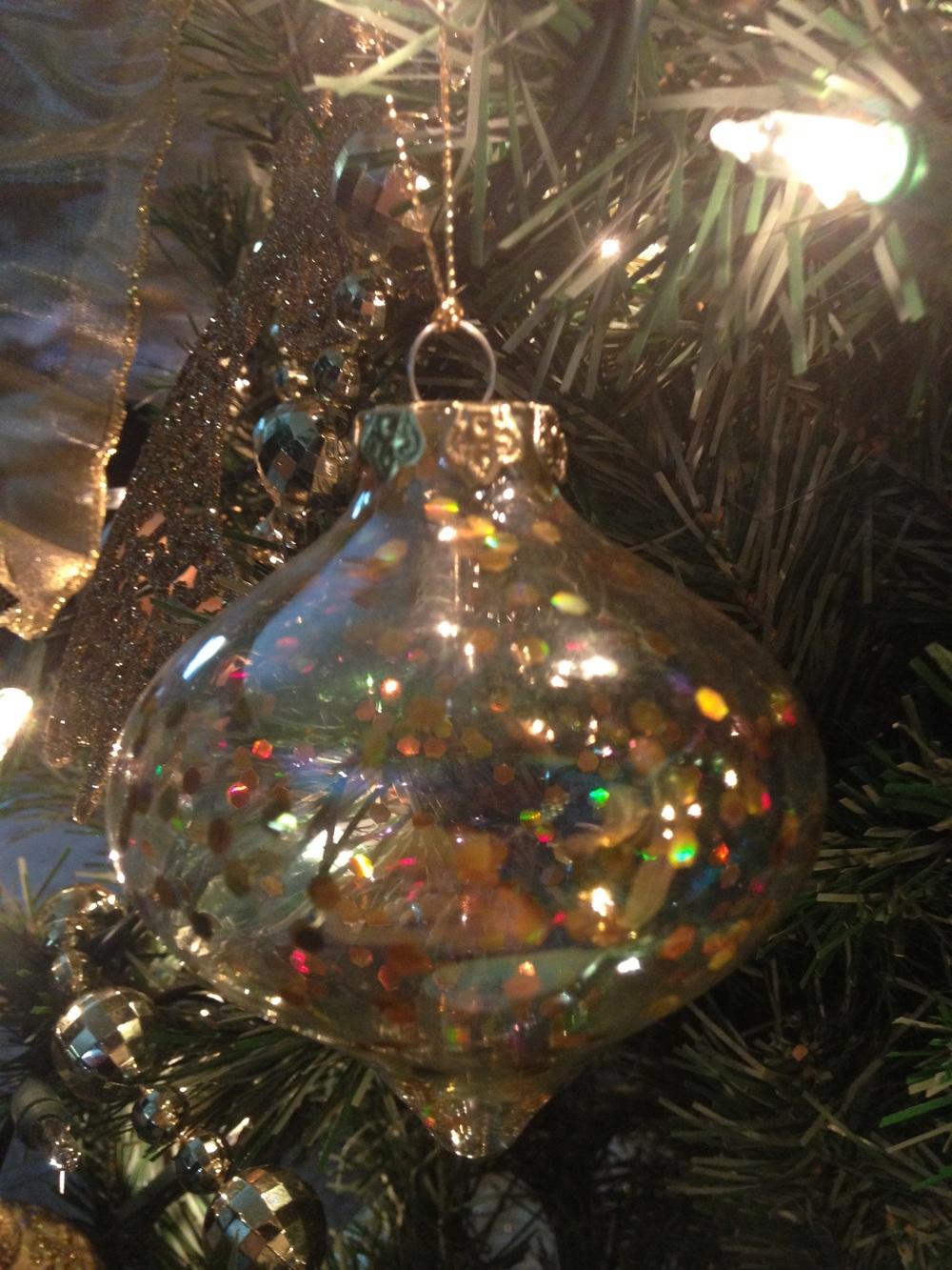 Christmas-Tree-Sparkly-Ornament.jpg