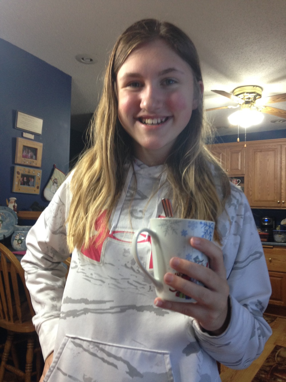 Ashlee-Holding-Hot-Chocolate.jpg