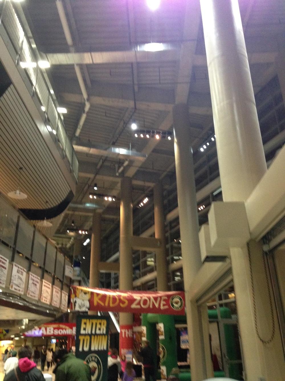 Wells-Fargo-Arena.jpg