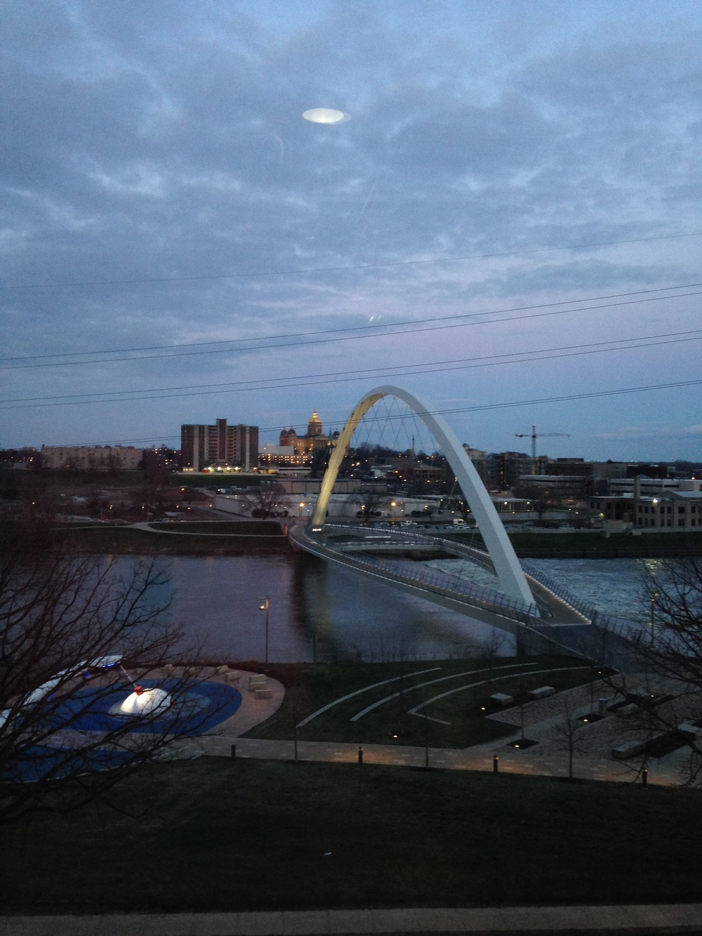 Des-Moines-Arch-and-River-Dark.jpg