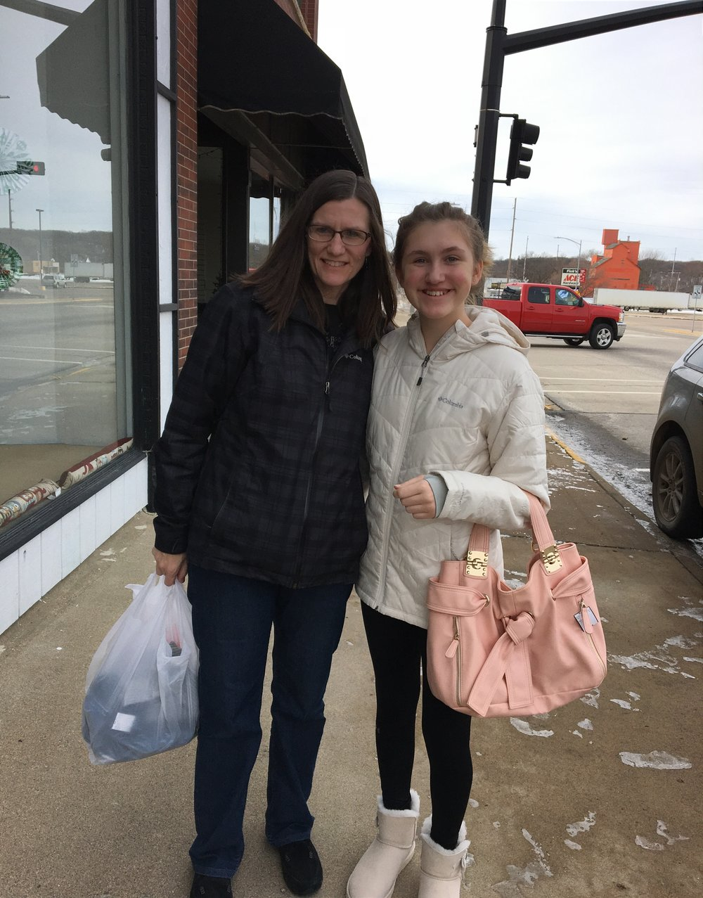Mother-Daughter-Shopping.jpg