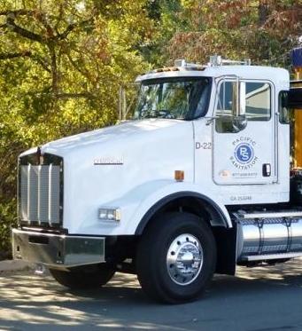 Roll-off Truck 3.jpg