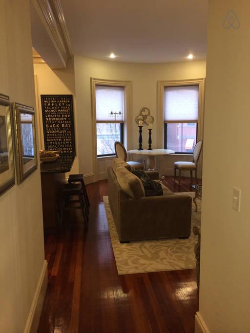 Gloucester #2 - Hallway_Living Area