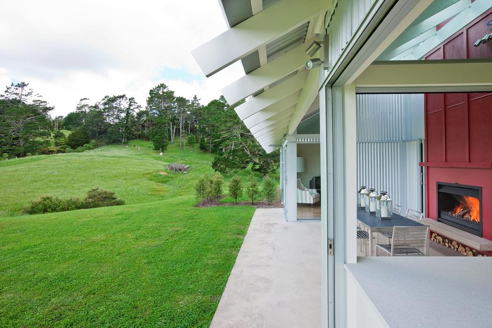 K  Leuschke Kahn Architects_Kumeu house, LKA__CM17852.jpg