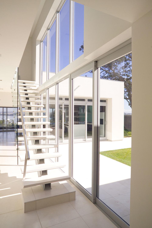 C Leuschke Kahn Architects_CompassPt LKA_F2J94376.jpg
