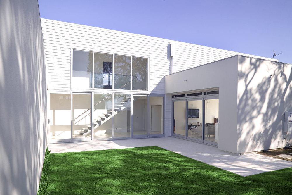 C Leuschke Kahn Architects_CompassPt LKA_F2J94401.jpg