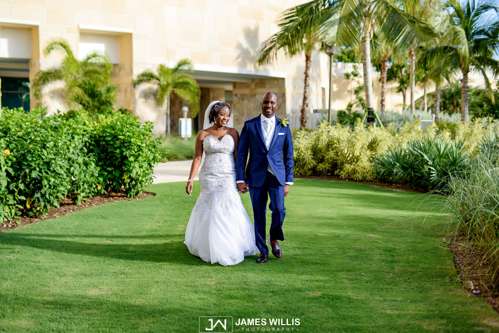 Brittany deno breezes resort spa bahamas bahamas wedding brittany deno breezes resort bahamar bahamas wedding james junglespirit Gallery