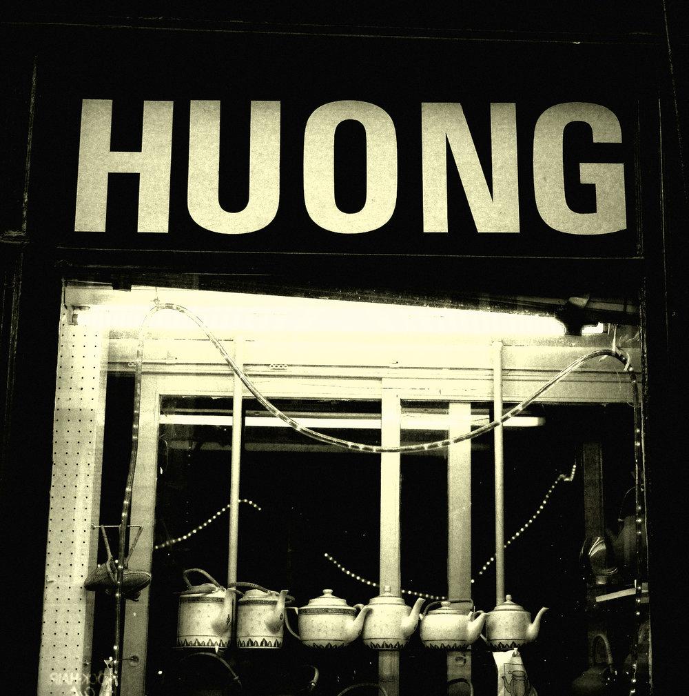HUONG'S TEAPOTS PARIS 2006