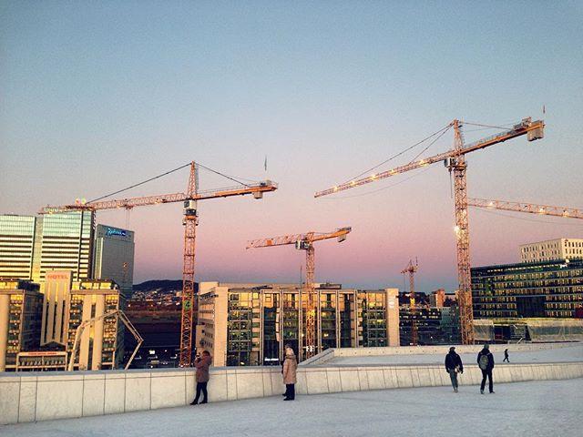 Best rosy sunsets in Oslo #oslo #operahouse #sunsetoslo