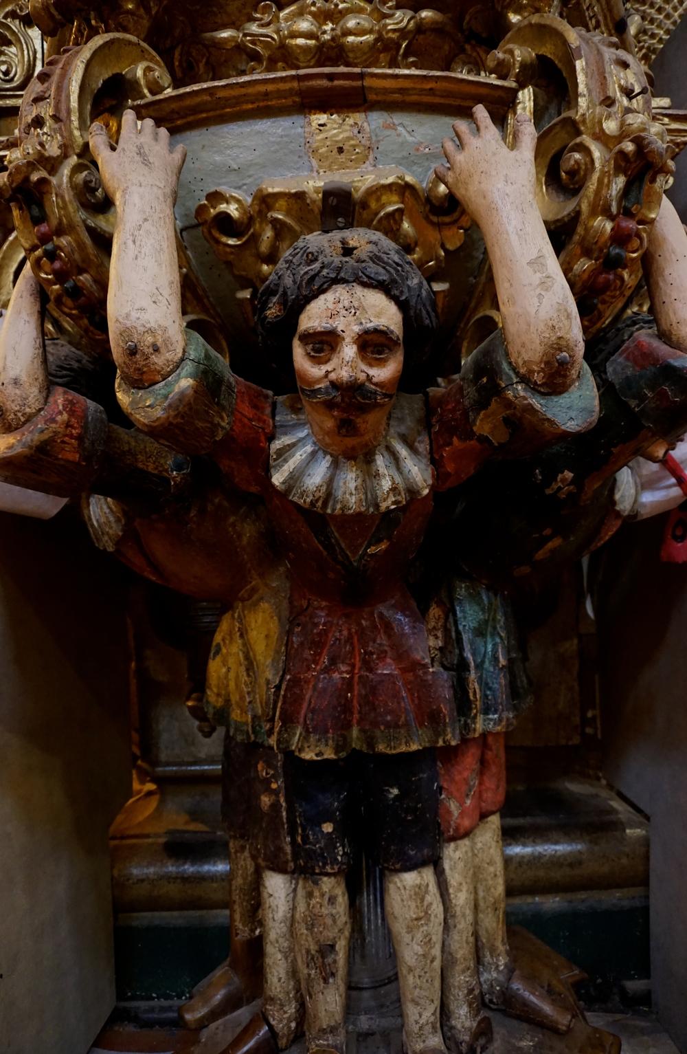 Ecuadorian version of Atlas? - San Fransisco Church