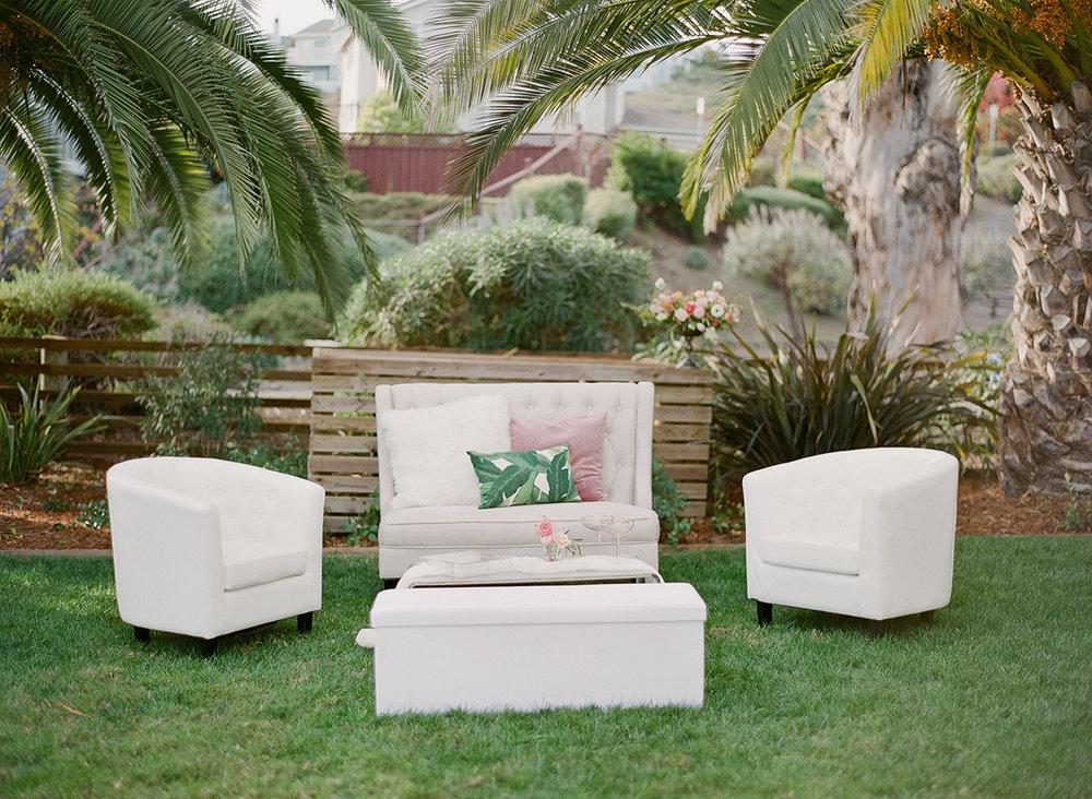 Modern Lounge -