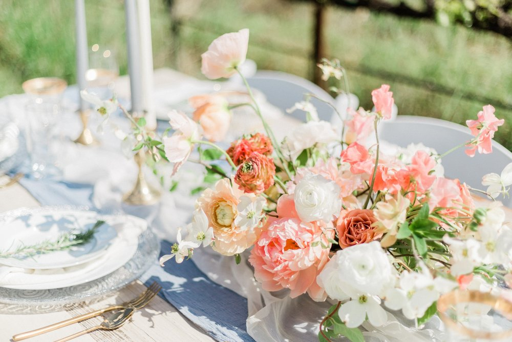 Light blue and white silk table runners perfect for fresh spring wedding outdoor venue tablescape