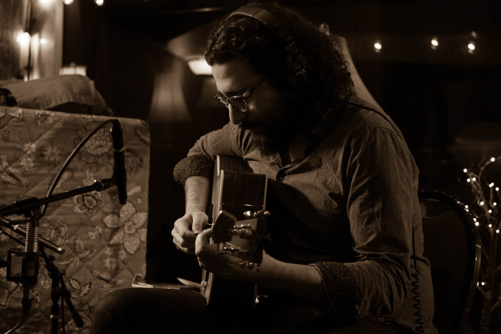 Eric & Guitar.jpg