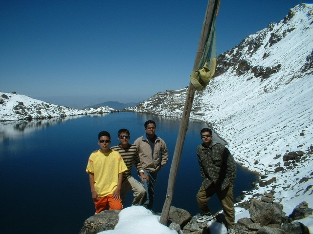 Figure 3. Medical students during their trek in high altitude.