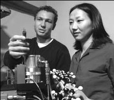 Hendrik Schon and coauthor Zhenan Bao researching organic transistors in 2001. Copyright © 2001 Lucent Technologies Inc.