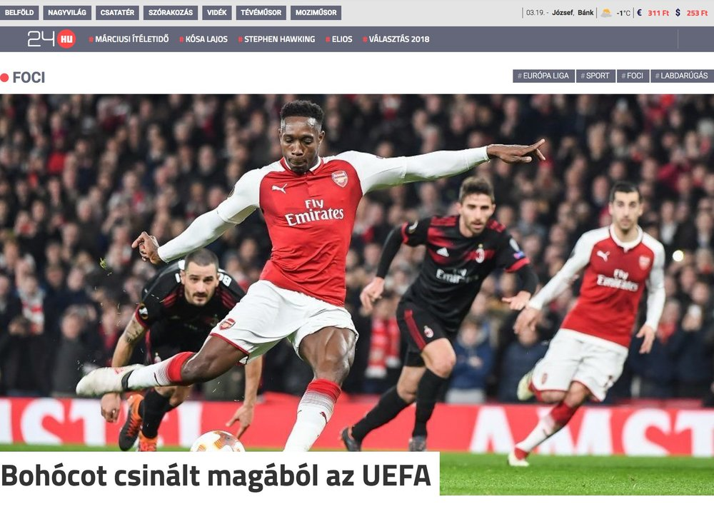 Danny Welbeck  scores from the penalty spot in  Arsenal 's Europa League match against  AC Milan . Publication in  24.hu .