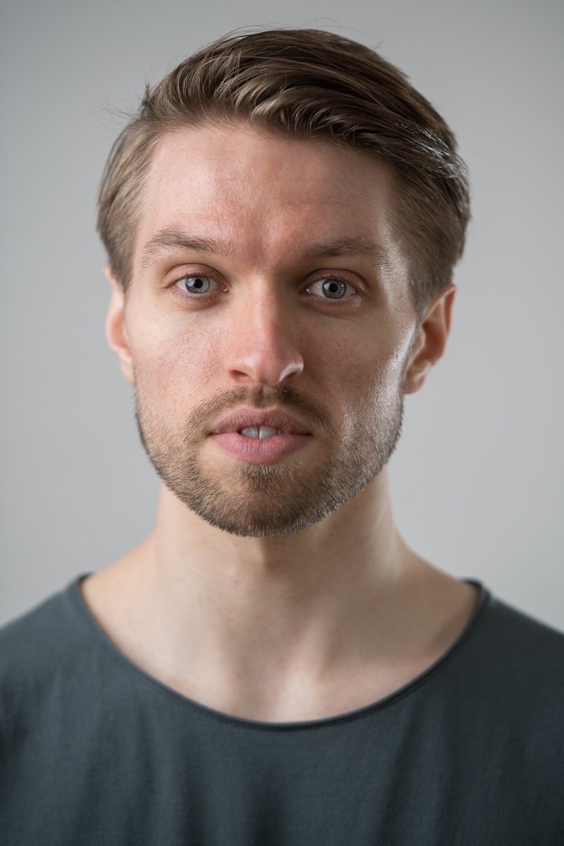 Actor's headshot for  Jon Savage .