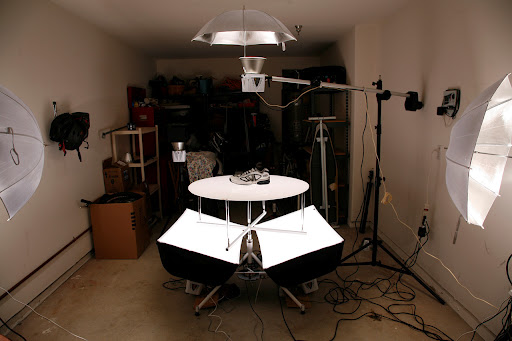 Done!  This is is a lighting set-up I used in the early days.  It's much different now.