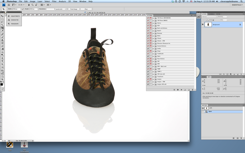 Front facing image of shoe