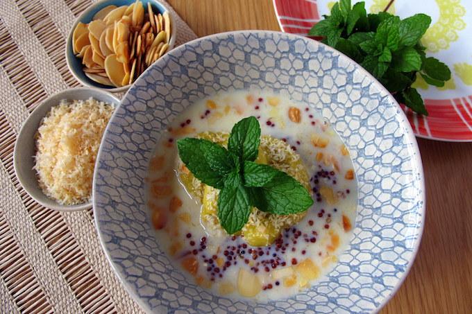 breakfast-porridge-nutty-quinoa-mango-coconut