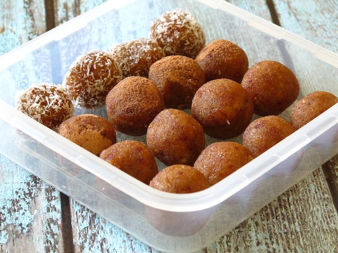 raw-power-balls-nuts-dates-vegan