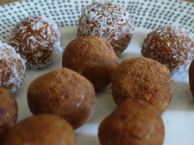 raw-power-balls-nuts-dates