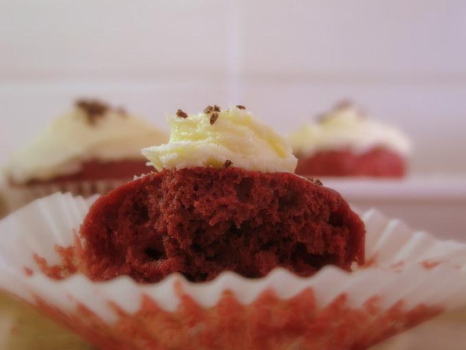 vegan-red-velvet-cupcakes-healthy