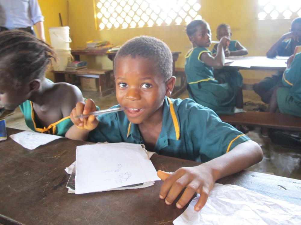 sierra-leone-school2-children-boy-study