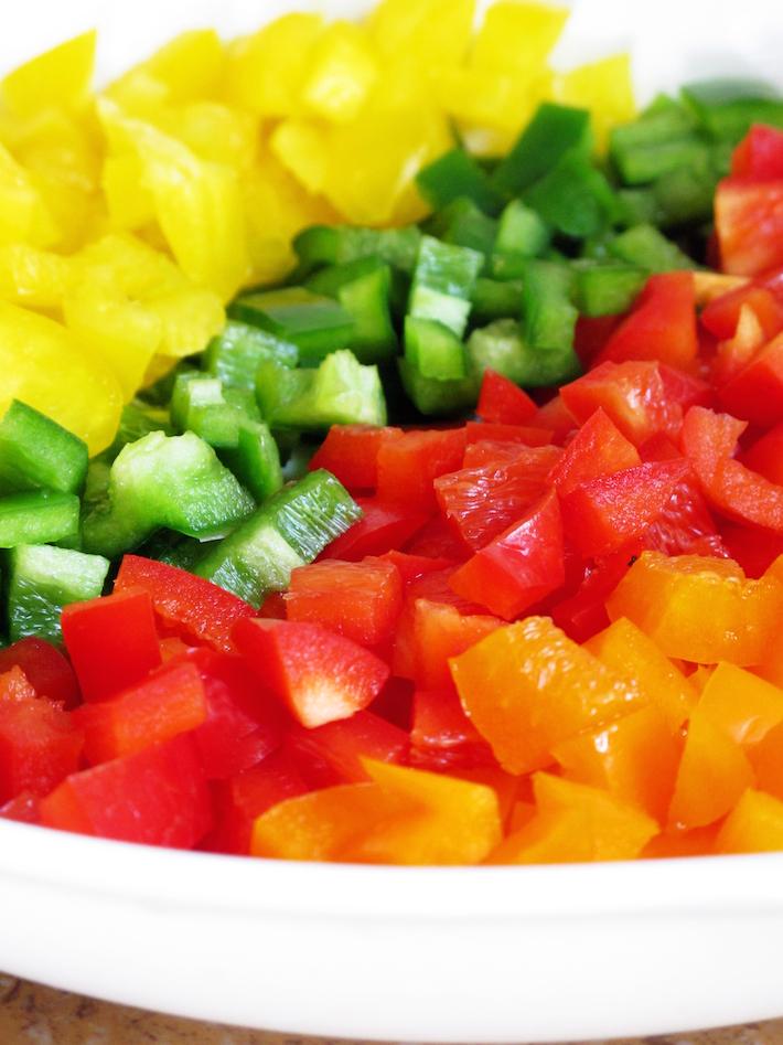 coloured-peppers-raw-fresh-veggie
