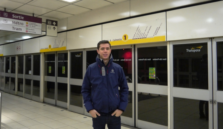 The Metro was busy, despite the deceptive picture.