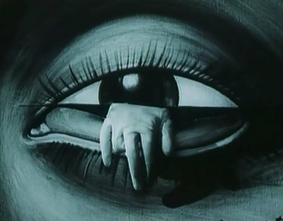 human-activities :      The Vanished World of Gloves  (Jiří Barta, 1982)