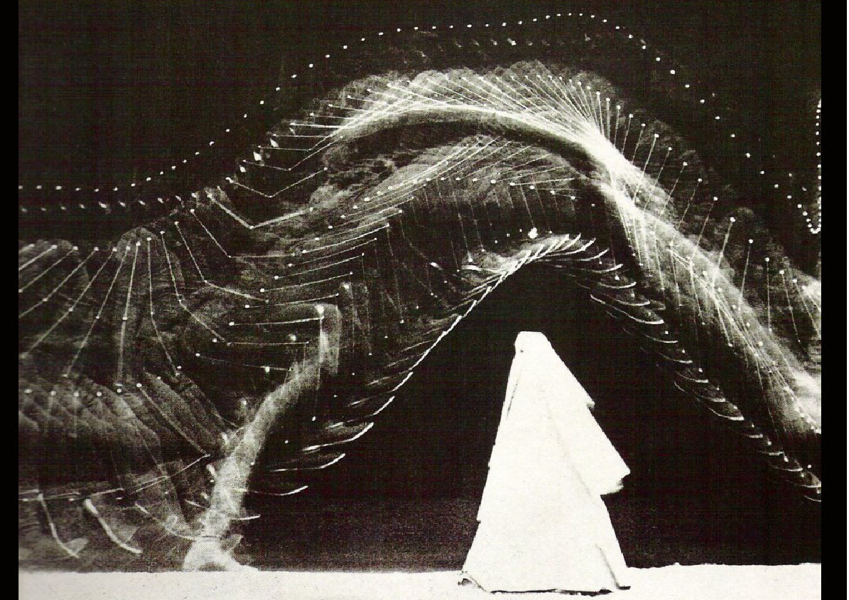cone-swan :      Étienne-Jules Marey  -  Leap over an obstacle , 1894