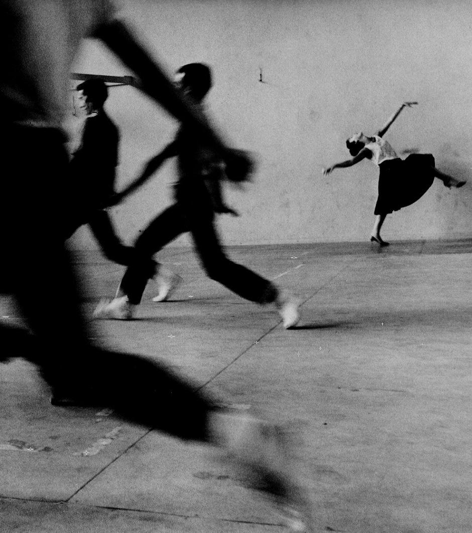 sealmaiden :      Phil Stern   Rita Moreno, West Side Story rehearsal, 1961    via  oldhollywood