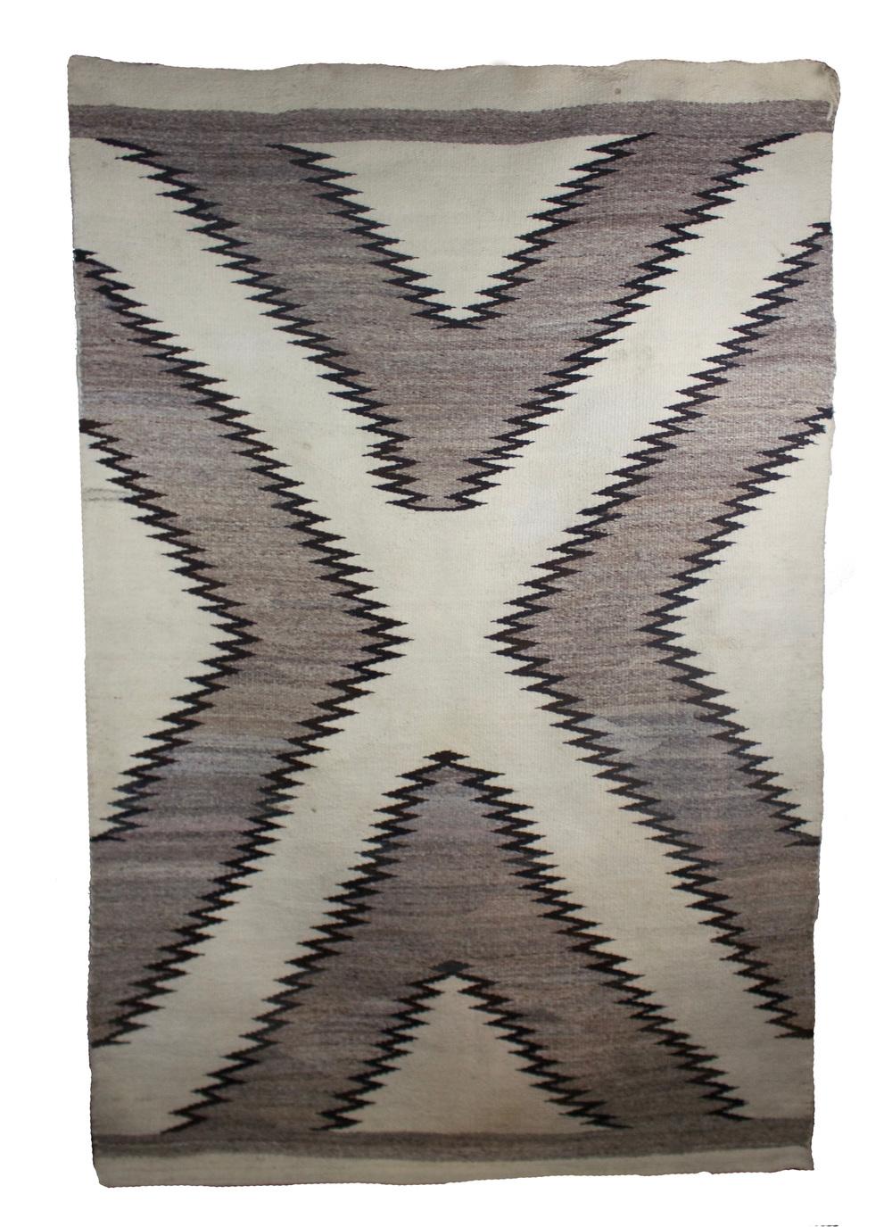 """Navajo Crystal Weaving c.1900-1910 Gray and White Natural Wools 84"""" x 48"""" // DV0023"""