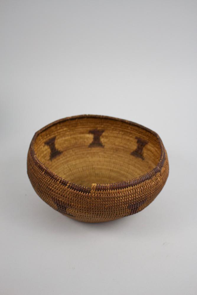 Mono Basket   19th Century  CNM0005