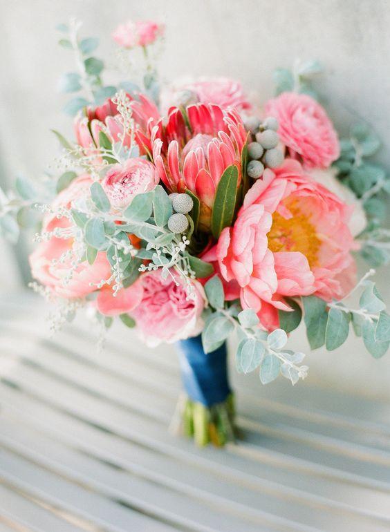 quand je vais chercher un bouquet chez le fleuriste jen ai pour 25 quand je demande un bouquet de mariage jen ai pour 200 - Cout Fleuriste Mariage