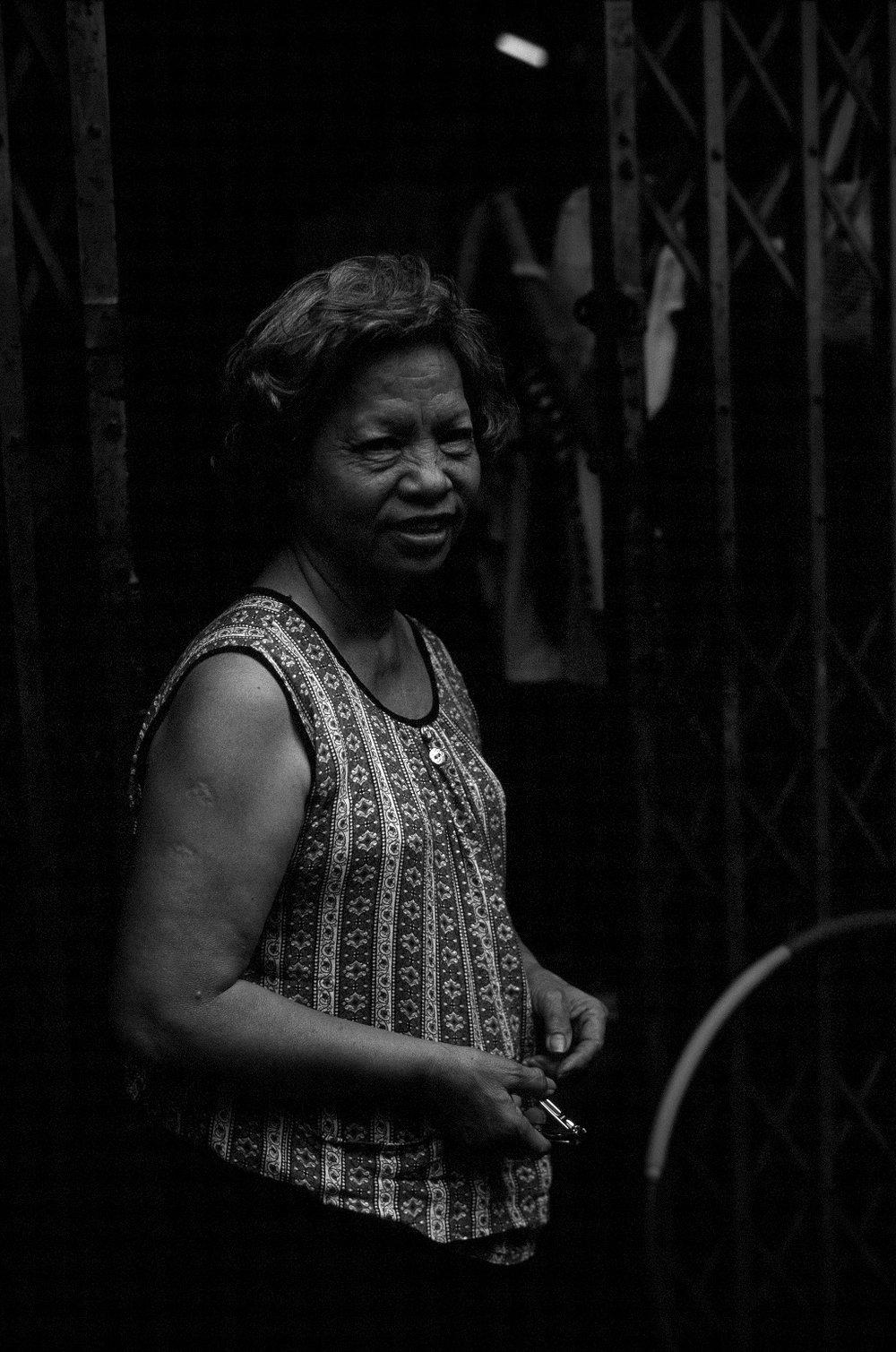 064_BangkokLady.jpg